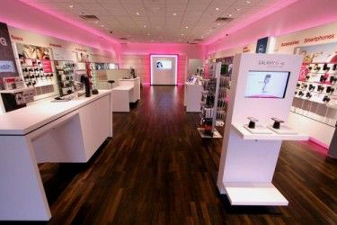 t-mobile-stores-gearing-up-for-the-iphone-5-release