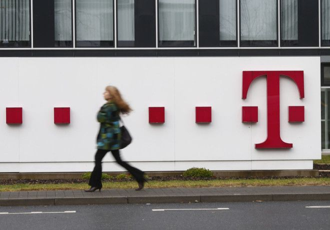 T_Mobile_Sign_Wide