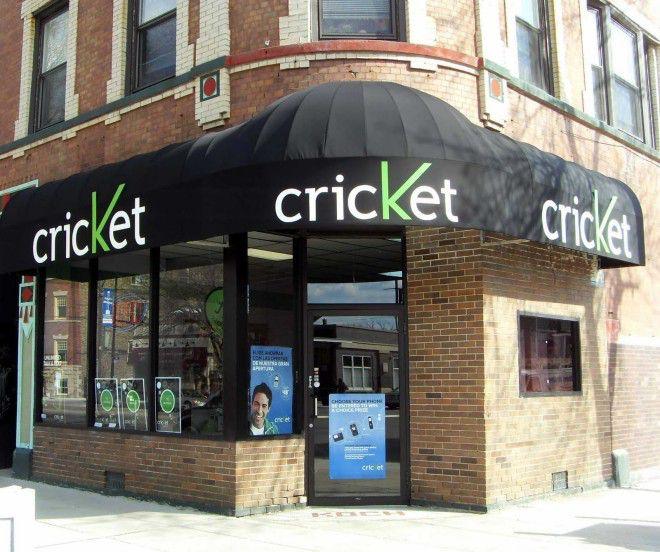 Cricket-Wireless-store-Chicago-Logan-Square-neighborhood