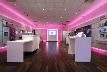 T_Mobile_Store_New_Wide