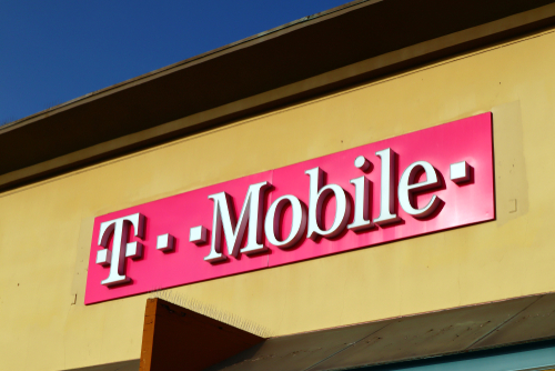 t-mobile-opens-first-store-in-hays