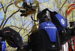 t-mobile-5g-powers-sacros-robotics-guardian-xt-robot